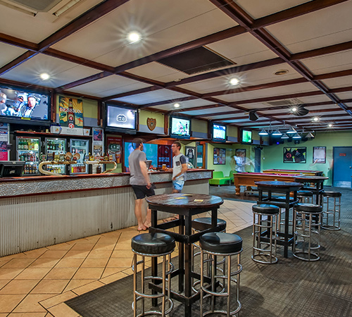 food and drink sports bar hotel kununurra
